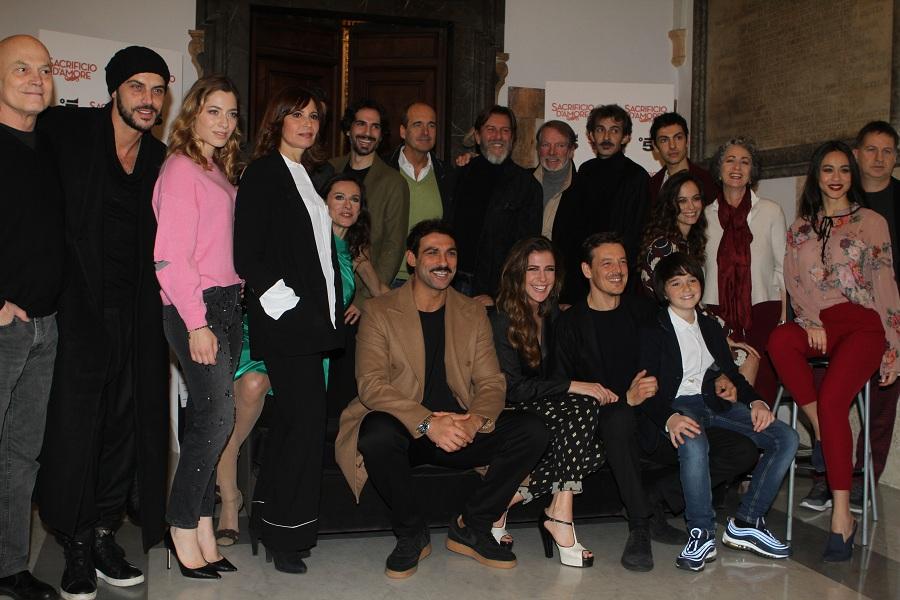 Il cast di Sacrificio d'amore (Foto Paolo Pizzi)